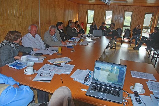 Sesión de Concejo 2012, con presencia de ponentes y público